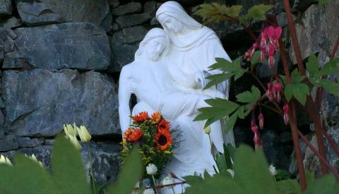 sweet Mary hear our prayer...